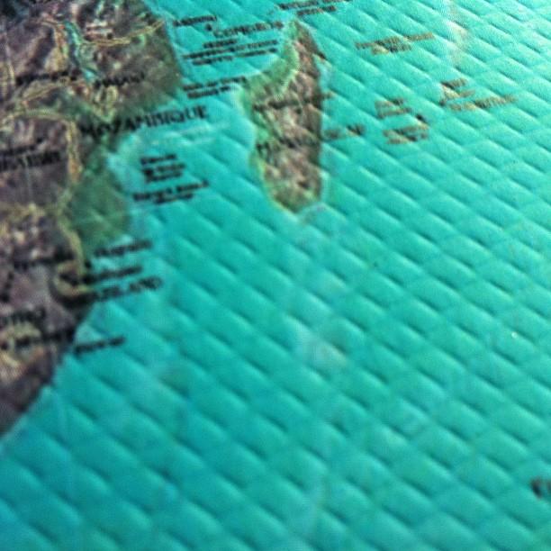 Sorvolando le coste dell'Africa del sud e del Madagascar.