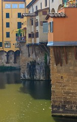 Ponte Vecchio (Old Bridge), Florence Italy (Maria_Globetrotter) Tags: world old city italien bridge autumn italy heritage tourism beautiful architecture canon buildings wow wonderful river garden point design town florence site cool nice fantastic perfect pretty view humanity pov awesome fiume herbst perspective relaxing super visit unesco ponte tuscany florencia romantic firenze colourful arno lovely toscana incredible picturesque autunno breathtaking cultural hst vackra floden florenz arkitektur vecchio toskana lightroom mondial patrimoine florens humanidad patrimonio welterbe fiorenzo 550d 1585 vrldsarv werelderfgoedlijst verdensarven mygearandme mariaglobetrotter
