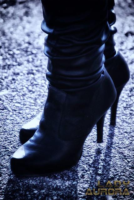 leather lady fetish pumps highheels boots plateau domination platform gloves nylon pelle leder scarpe femdom botas fetisch stiefel shoesoles schuhsohlen
