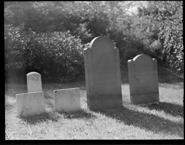cambridge cemeteries watertown mountauburncemetery tombssepulchralmonuments lesliejones jamesrusselllowell
