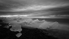 Icebergs on the Beach, Iceland I (monchoparis) Tags: canon island eos iceland islandia waves glacier iceberg gletscher vagues glaciar olas sland jokulsarlon islande jkulsrln izland eisberg ghiacciaio islanda 500d jkull ndfilter nd400 canon1022 gletsjer ijsland naturaldensity    isbjerg    buzul   hoyand400 efectosedoso      sngbng   buzda     bngtri