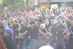 Crowds gone wild!!! (Phinesss) Tags: wild pit celebrities crowds abscbn sinulog senyor cebuanos 2013