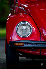 Wink (Jaap Pol) Tags: auto lamp car vw volkswagen sony beetle headlight tamron rood kever 70300 tamron70300 voorlamp 77m2 ilca77m2 a77m2 slta77ii