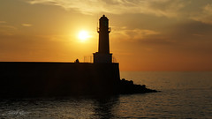 Lovers at the Sunset Lighthouse (Ccile Delpoo) Tags: sunset couch coucherdesoleil lighthouse phare sea mer ocean lovers amoureux amour love croisic ceciledelpoio