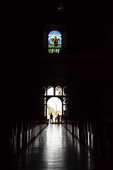 DETALLES DEL INTERIOR DE LA PARROQUIA DE SAN MIGUEL ARCNGEL. (G.LZP) Tags: iglesia vitral decoracin sombra contraste