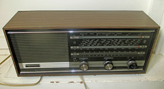 Grundig Radio (roger.cook6@btinternet.com) Tags: grundig radio receiver transistor modelrf110a lmvhf