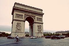 PARIS - ARC DE TRIOMPHE (Punxsutawneyphil) Tags: europa europe france francia frankreich paris capital hauptstadt iledefrance french franzsisch architecture architektur gebude building arcdetriomphe triumpfbogen