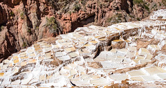 1/2 ....2 Men at work...2 Hommes au travail Salinas de Maras (geolis06) Tags: geolis06 prou peru 2016 amriquedusud southamerica salinas de marassalinasmarassaltworkssacred valleysacredvalleyvalle sacrevallesacrevallesagradovalle sagradoincaem5 olympusolympus m1240mm f28 saltworks maras saline