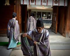 Shinto Ceremony Aftermath (Mondmann) Tags: kushidashrine shrine shinto kushidajinja fukuoka japan asia eastasia hakata history culture religion landmark priests shintopriests mondmann nikond7100 japanese kyushu
