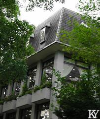 Hibiya park 13 (ZKent.Yousif) Tags: chiyodaku tkyto japan jp  chku  minatoku canon sigma sigma1750mm 50mm streetphotography street park parks architecture bw blackandwhite