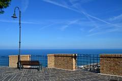 Silvi Alta - il belvedere (boscam) Tags: italia abruzzo silvi belvedere blu mare adriatico lampione streetlamp panchina bench