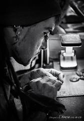 ArteSano (Unos y Ceros) Tags: blancoynegro nocturno noche night ungentos artesano artesana mercadomedieval lamorisma hispanos lansa ansa sobrarbe pirineos altoaragn huesca aragn textura luz unosyceros 2016 lightroom nikond700 zaragons zaragoneses europa unineuropea ue invarietateconcordia