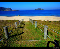 Carry On (tipiro) Tags: nature colors sunshine brasil riodejaneiro niterói camboinhas atlântico coth supershot abigfave scenicsnotjustlandscapes tipiro coth5 sunrays5