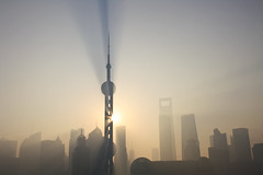 An incredible sunrise in Pudong, Shanghai, China (fabriziogiordano23) Tags: china trip morning travel blue sky sun holiday skyline sunrise asia skyscrapers shanghai alba blu journey cielo pudong sole azzurro viaggio soe cina vacanza mattina autofocus orientalpearl grattacieli greatphotographers flickraward flickrestrellas bestcapturesaoi elitegalleryaoi mygearandme ringexcellence flickrbronzetrophygroup photographyforrecreationeliteclub flickrstruereflection1 rememberthatmomentlevel1 flickrsfinestimages1 magicmomentsinyourlifelevel1 vigilantphotographersunite vpu2 vpu3