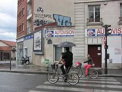 Space Invader PA_1009 : Paris 11eme (tofz4u) Tags: family streetart paris rain bike bicycle umbrella tile graffiti mosaic tag spaceinvader spaceinvaders invader vlo parapluie mosaque artderue 75011 sensinterdit velib autovision pa1009