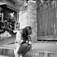 Vivienne (komehachi888) Tags: kobe kitano selfdeveloped fujineopanacros100 filmshots tessar75mmf35 flickrfriendsmeetup ikoflexic