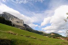 Valle de Atxondo (Javi Diez Porras) Tags: bizkaia euskalherria arrazola anboto atxondo