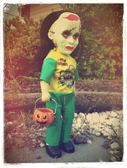 31 Days of Halloween 31 (welovethedark) Tags: halloween halloweencostume creepy gabriella iphone creepydoll ldd livingdeaddolls creepymask series18 iphonecamera iphonecameraapps