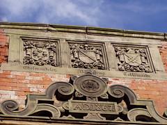Nantwich - Nov 2009 (DizDiz) Tags: england heraldry coatofarms cheshire victorianarchitecture nantwich 1867 olympusc720uz