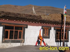 Eric Lon yoga at Demul (32) (Eric Lon) Tags: india cold yoga energy dynamic tibet heat practice souffle himalaya breathe froid warming spiti breathing inde tibetain himalayen chaleur activate respiration ericlon rechauffer demul acriver