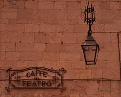 Caff del Teatro (viaggionelmondo) Tags: italy teatro nikon streetlight italia spoleto caff umbria lampione d90 flickraward flickrtravelaward