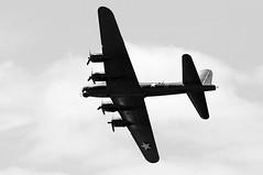 WSM 41661bw (kgvuk) Tags: aircraft b17 flyingfortress westonsupermare sallyb westonairshow