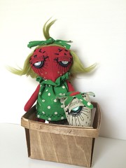 My very first limited edition Dandy doll will be available as a pre-order on September 2nd, at 7:30 pm CST. 10 signed and numbered sets will available in my BigCartel shop. More info coming soon (ThEm DoLLz) Tags: arttoy stuffed softies plush handmadetoy designertoys doll art artdoll strawberry strawberries