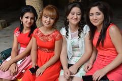 Four Girls (Peter Schnurman) Tags: fourgirlsposinginkhiva uzbekistan
