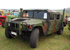 Humvee (Schwanzus_Longus) Tags: muensingen german germany us usa america american old classic vintage car vehicle offroad offroader 4x4 awd all wheel drive military army hummer humvee am general m998 hmmwv camo h1 paint fahrzeug auto outdoor