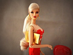 Mademoiselle Jolie, Ombres Poetique (Sylvano Bradshaw) Tags: model mademoiselle jolie ombre ombres poetique poupee doll fashion fashionroyalty fr fashiondoll fr2 fr12 red platinum blond mode style integritytoys integrity integry toy dolls ooak royalty