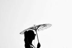 ella andaba con paraguas y yo no (quino para los amigos) Tags: sky girl silhouette umbrella athens grecia atenas cielo silueta paraguas
