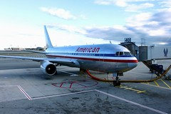 AA @ JFK gate 40 (Prayitno / Thank you for (12 millions +) view) Tags: new york city nyc ny newyork airport jfk american jamaica boeing airlines americanairlines aa 757 jfkairport boeing757 konomark