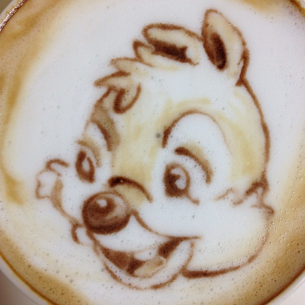 這樣的咖啡怎麼捨得喝!神級奶泡拉花達人!