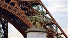 Paris - Tour Eiffel (tor-falke) Tags: city paris france french frankreich europa europe ngc toureiffel capitale rue iledefrance frenchtown francais parisien parisrue parisbeautiful torfalke flickrtorfalke