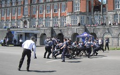 Field Gun Race at Dartmouth Royal Naval College (Cafe Alf Resco) Tags: coffee devon dartmouth royalnavy fieldgun britanniaroyalnavalcollege cafealfresco dartmouthroyalnavalcollege
