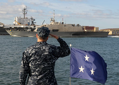 Vice Admiral salutes USS Fort Worth. (Official U.S. Navy Imagery) Tags: heritage america liberty freedom commerce unitedstates sandiego military navy sailors fast calif worldwide tradition usnavy protect deployed flexible onwatch beready defendfreedom warfighters nmcs chinfo sealanes warfighting preservepeace deteraggression operateforward warfightingfirst navymediacontentservice