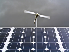 Viento y sol (Juan Antonio Cap) Tags: sun mill sol solar mhle energy pattern panel wind background plate viento surface molino textures silicon placa fondo texturas windturbine molen mulino moinho windenergy energia superficie photovoltaic silicio patrn solarplate aerogenerador renovable mol fotovoltaica   deirmen energiaelica myn  panelsolar placasolar    moar energiafotovoltaica renewablepv minieolica