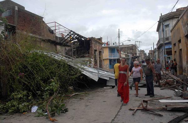 SANTIAGO DE CUBA-SANDY PETENTRO POR PLAYA MAR VERDE