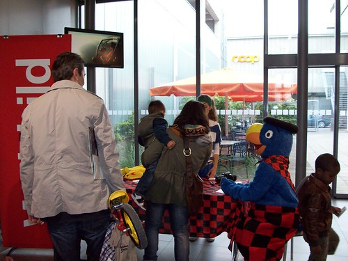 Globi besucht uns im Bahnhof Center Biel 2012