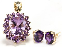 1046. Group of Amethyst and Gold Jewelry