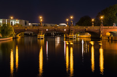Moltke-Brcke v.2012 (Dietrich Bojko Photographie) Tags: bridge reflection berlin architecture night germany deutschland evening abend architektur brcke spree moltkebrcke dietrichbojko dietrichbojkophotographie