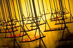 Suspendu / Hanging (fidgi) Tags: red yellow jaune canon rouge suspendu monahatoum macval vitrysurseine canoneos7d