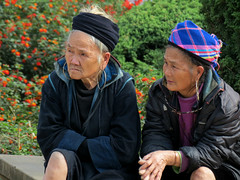 Black Hmong (Linda DV (back, catching up...)) Tags: travel people canon geotagged asia southeastasia culture vietnam clothes ethnic minority sapa hmong laocai 2012 ethnology blackhmong ethnicminority minoritethnique laocaiprovince minorit ethnischeminderheid minderheid lindadevolder powershotsx40
