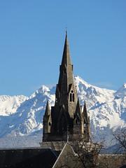 Ballade dans les rues de Grenoble (Hélène_D) Tags: winter mountain france alps church montagne alpes grenoble neige eglise isère rhônealpes