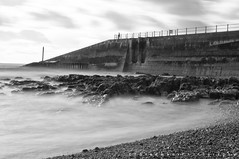 hastings sea front (Yo Gladman) Tags: longexposure bw beach hastings 10stopfilter