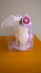 BOMBONERA DE BAUTISMO: VELA ENROLLADA BLANCA (ilmiomondoincera) Tags: bombonera bautismo vela enrollada blanca cera yeso blanco platito violeto limon confites artesanal decoracion casa regalo