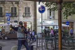 Fame (Havebug) Tags: singer performer ignored street