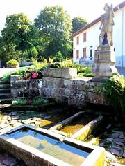 2016-07-28 23.37.31 (opa guy) Tags: saintquirin france lorraine fontaine miraculeuse moselle