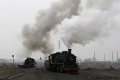 I_B_IMG_8196 (florian_grupp) Tags: asia china steam train railway railroad bayin lanzhou gansu desert landscape loess mountains sy ore mine 282 mikado steamlocomotive locomotive