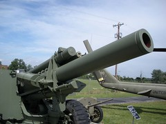 "US 155mm M1A1 Howitzer 11 • <a style=""font-size:0.8em;"" href=""http://www.flickr.com/photos/81723459@N04/28861499610/"" target=""_blank"">View on Flickr</a>"